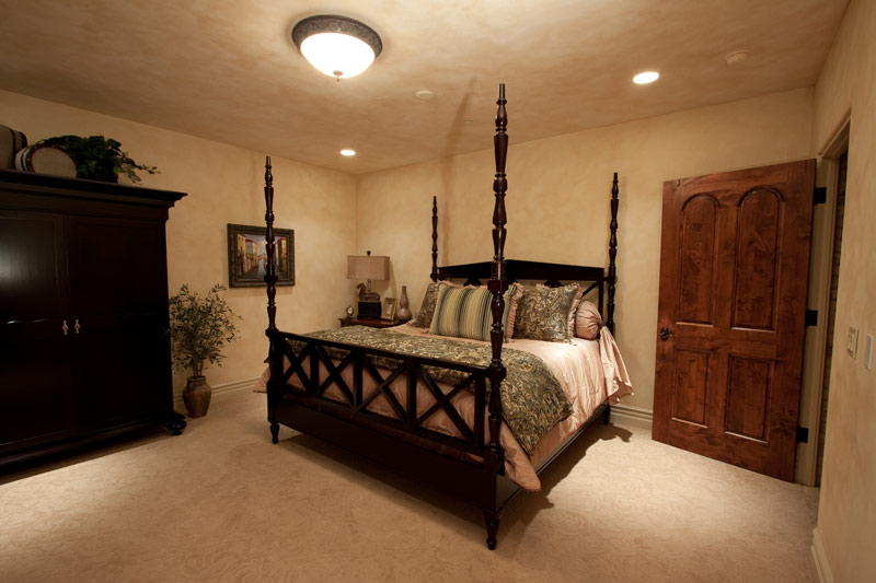 Guest Bedroom Faux Finish